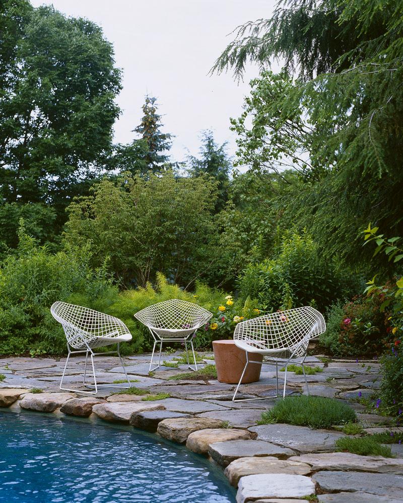 Knoll - Bertoia_Diamond_Chair_Outdoor_
